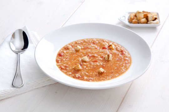Trahanas soup with fresh tomato