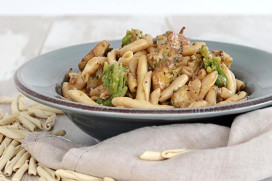 "Traditional ""Skioufichta"" Cretan pasta with chicken, fresh thyme, broccoli and Metsovone cheese"