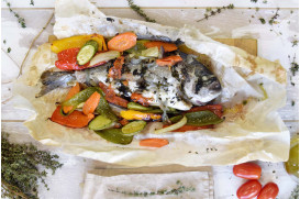 Sea bream with 9 vegetables